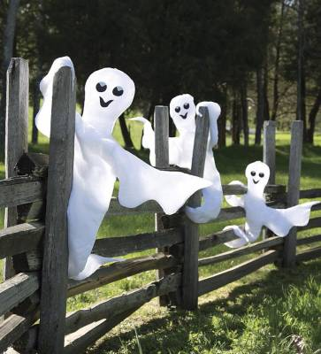 Ghosts-for-Best-in-Backyards-Halloween-Blog_20160712-182643_1
