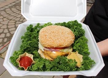 The-All-American-Cheeseburger-Bull-Burger-Battle