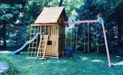 b2ap3_thumbnail_Cedar-Playset-with-Bottom-Playhouse