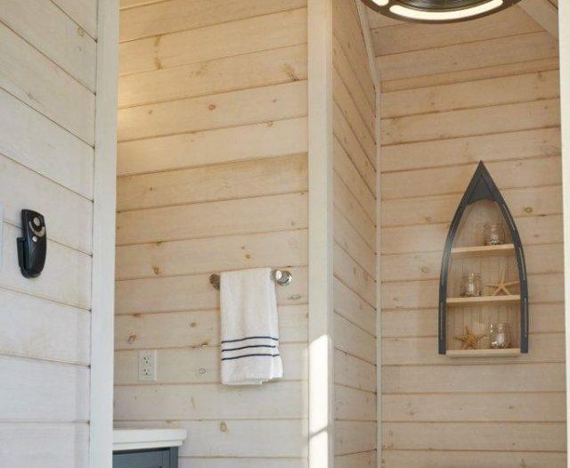 avalon pool house with bathroom