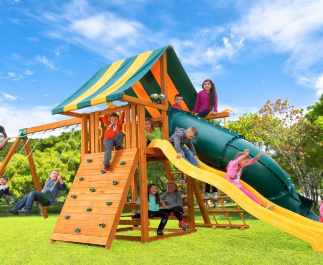 Dream Wood Swing Set with 5′ Spiral Slide