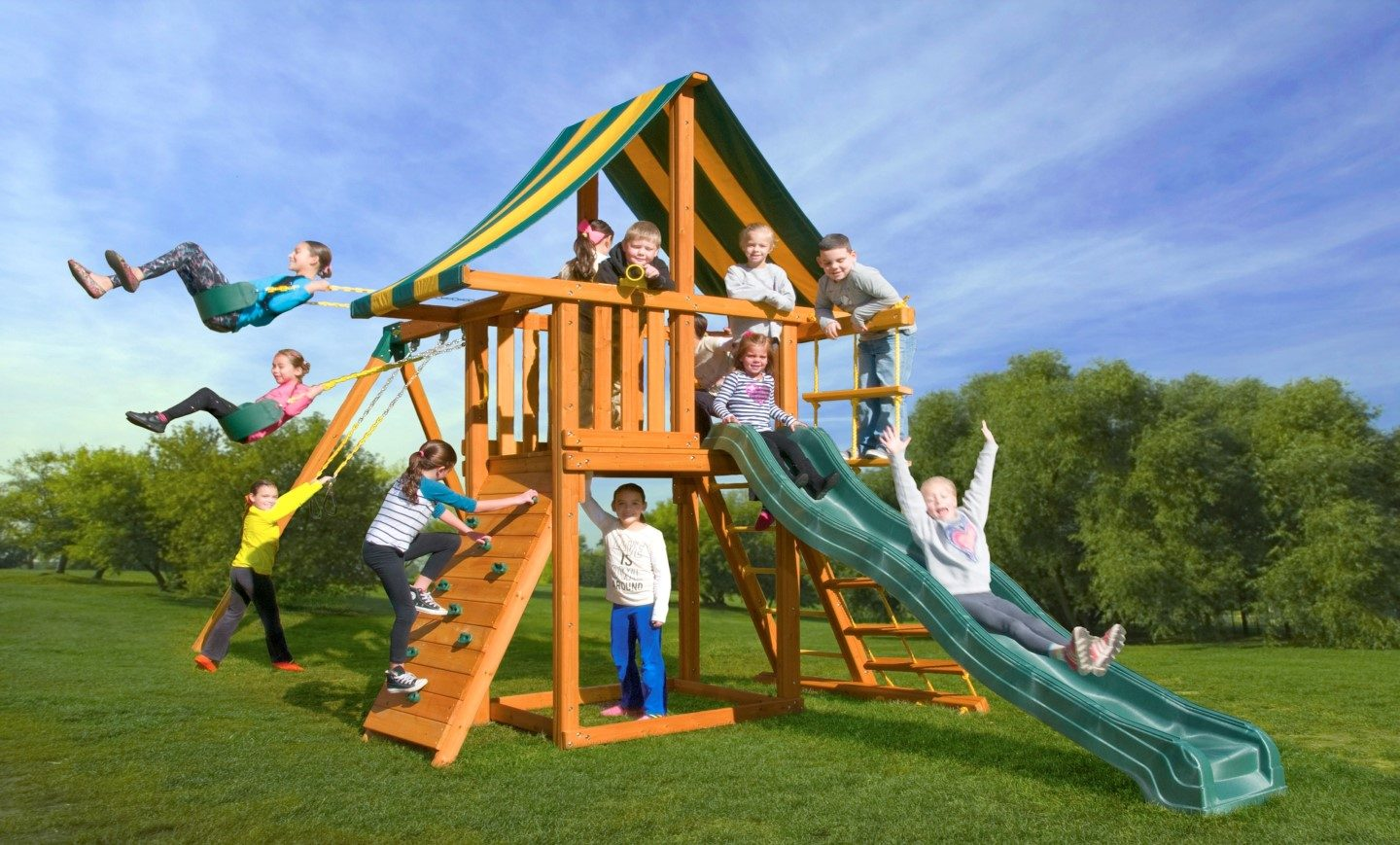 Dreamscape Cedar Backyard Jungle Gym A