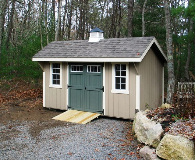 Elite Quaker Storage Shed wth Green Double Doors a Coupola and a Ramp
