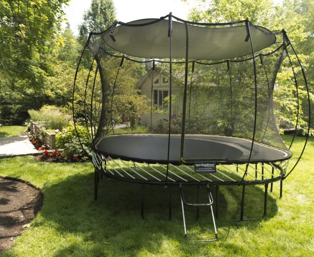Springfree Trampoline Sunshade on Round Trampoline Lifestyle