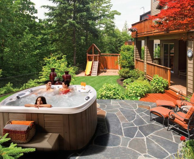 Resort-Hot-Tub-Lifestyle