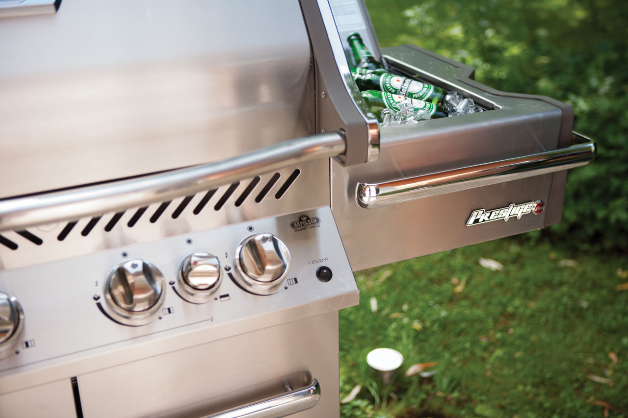 pro500_lifestyle_15-napoleon-grills