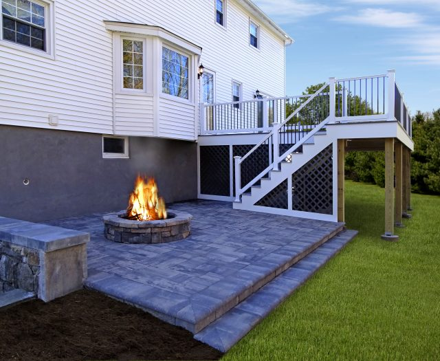 Beautiful Patio and Built in Custom Fire Pit