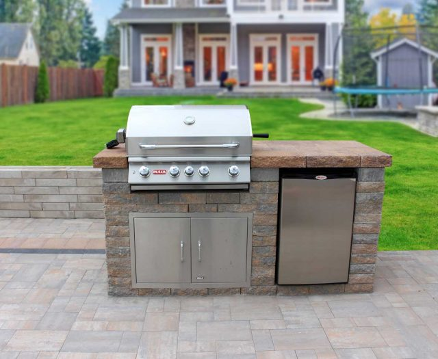 Beautiful-Custom-Outdoor-Kitchen-Island-with-Bull-BBQ-Gill-Head