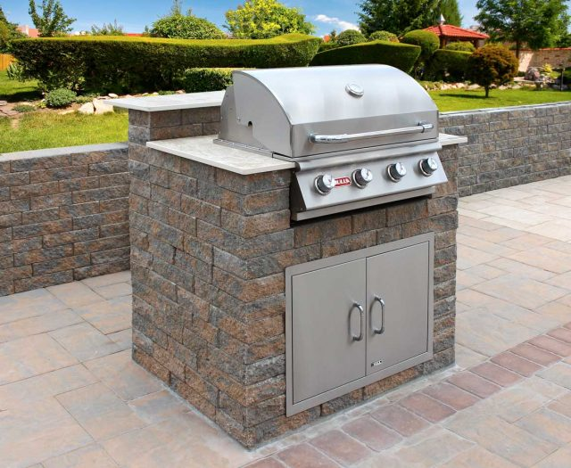 Compact-Custom-Outdoor-Kitchen-Island-with-Rock-Finish