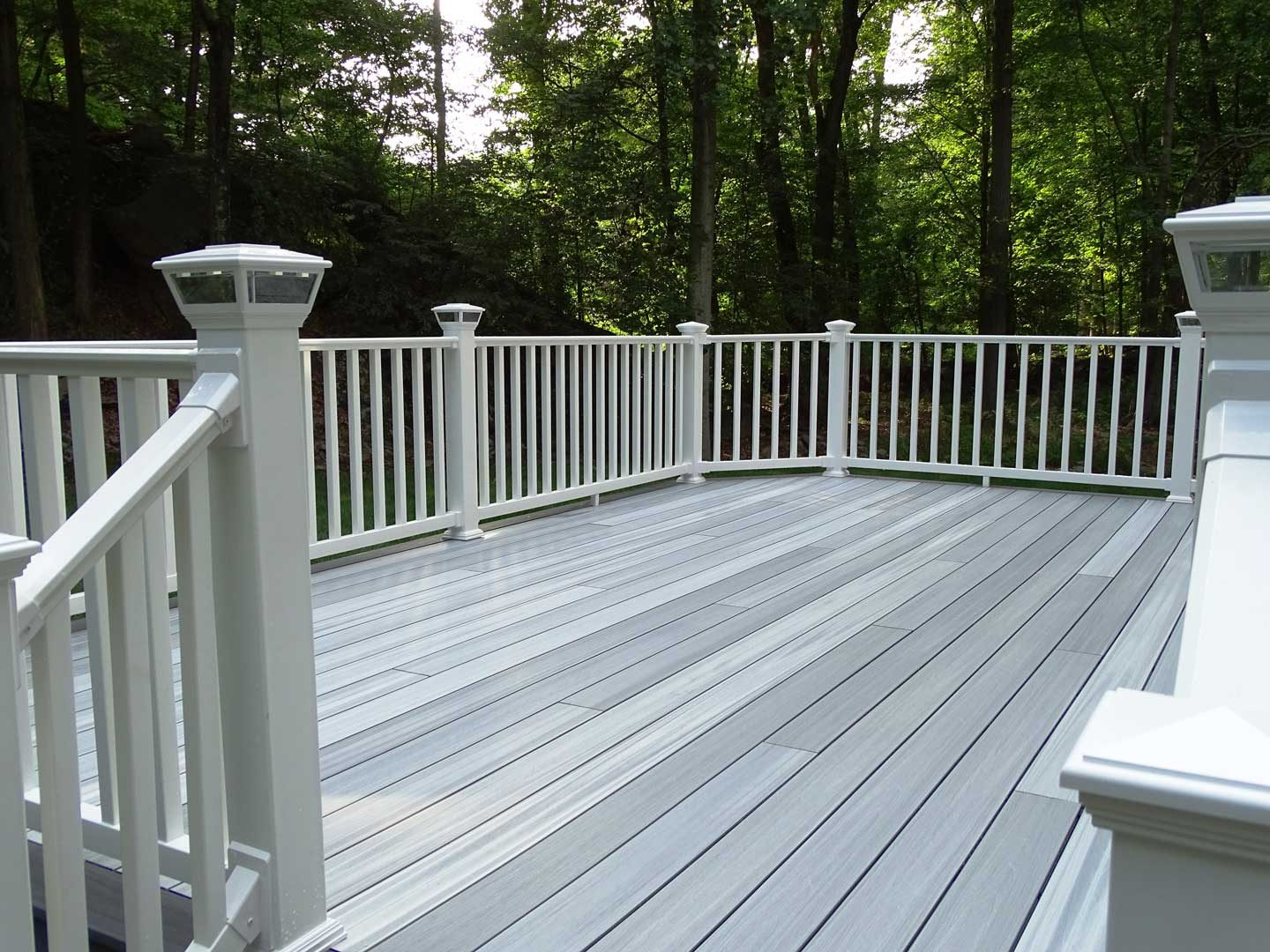 refurbish-old-wood-deck
