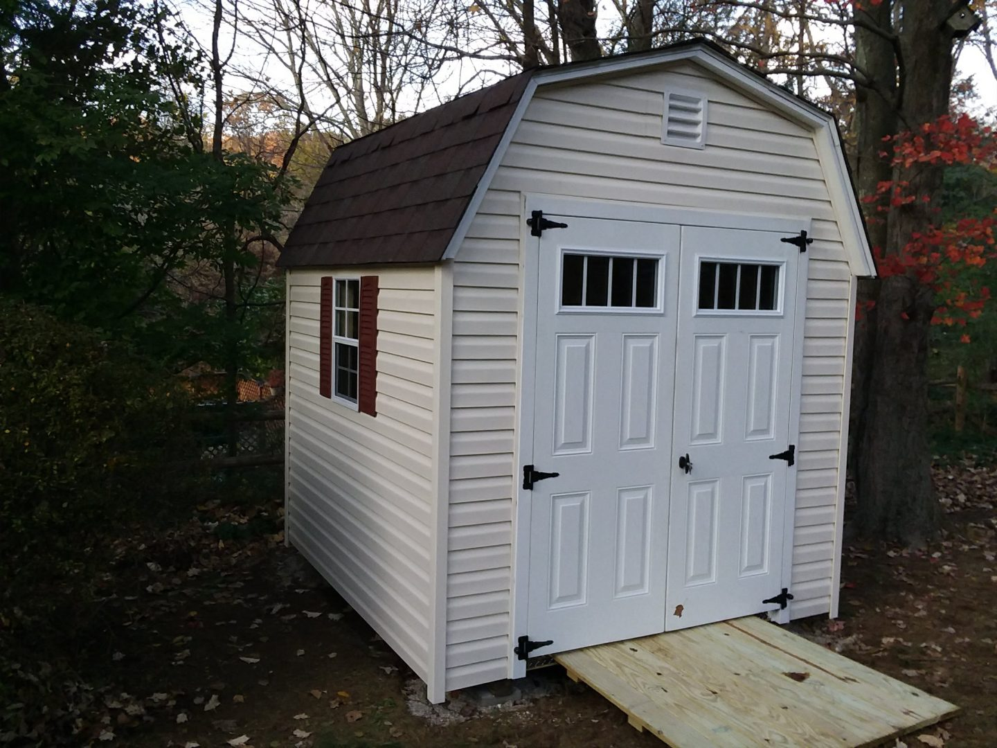Barn Storage Sheds | Min-Barn | 6\' Wall Barn | NY & CT