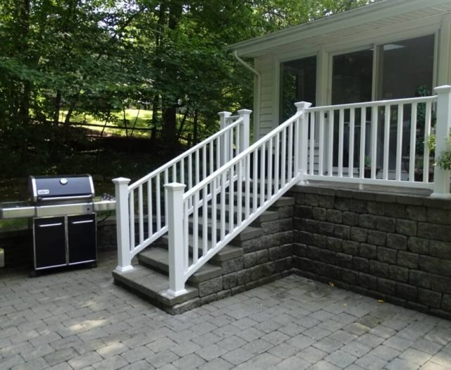 2-After-Photo-of-Completed-Stairs-with-White-Vinyl-Railings