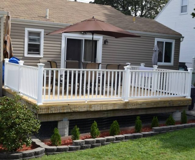 3-Finished-Deck-complete-with-White-Vinyl-Railings-with-Square-Balusters
