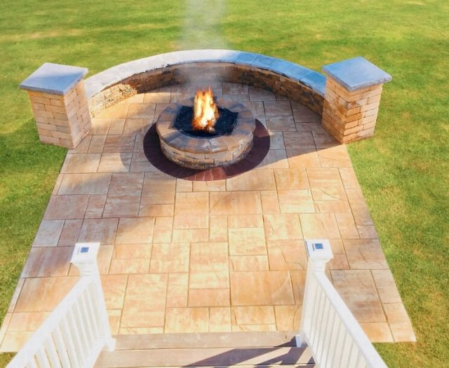 Backyard Fire Pit in Patio with Seating