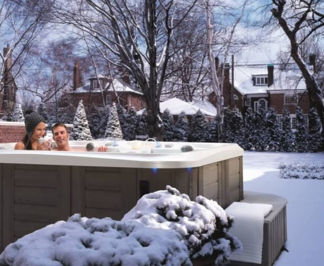 4 Reasons to Buy a Hot Tub or Swim Spa in November