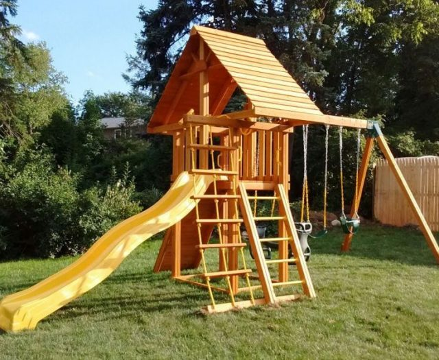 Dreamscape Outdoor Playset with Wood Roof
