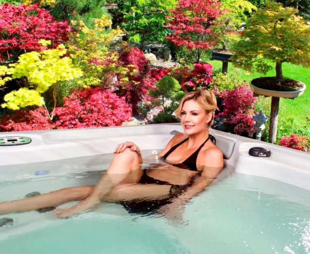 Iris Hot Tub