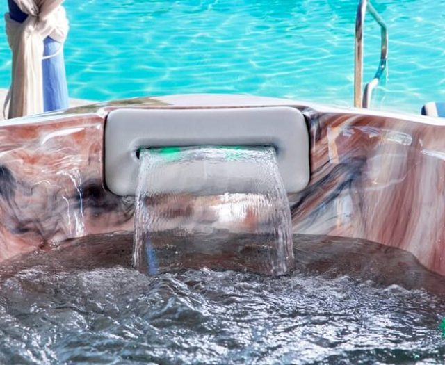 850L Deluxe Hot Tub
