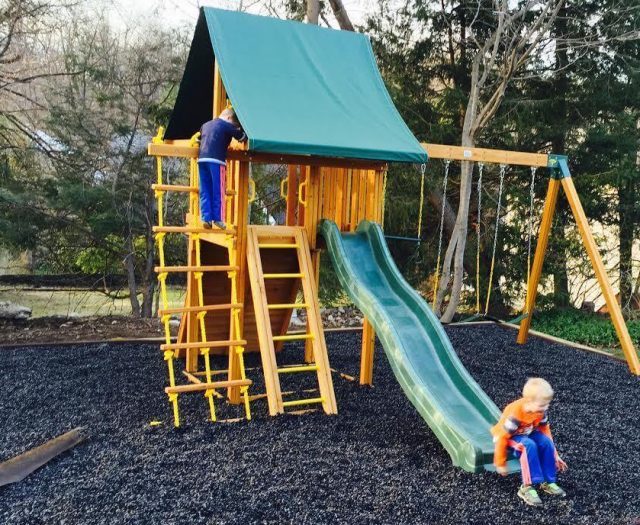 outdoor rubber mulch options