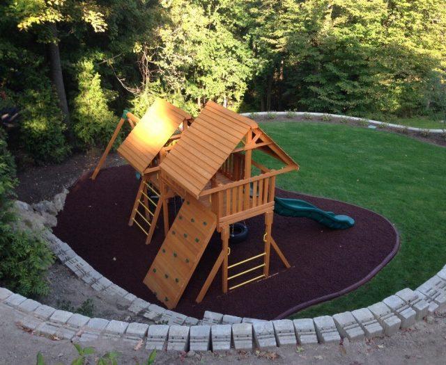 residential playground mulch installation