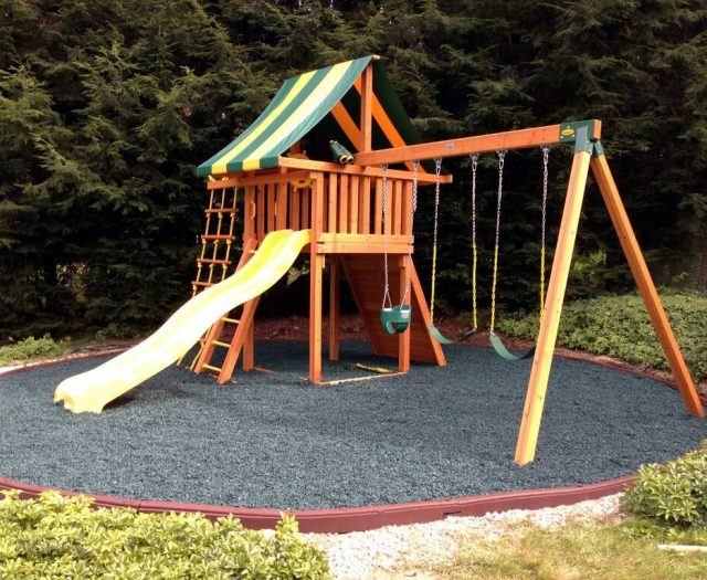 Dream Swing Set with Circle of Rubber Mulch Black