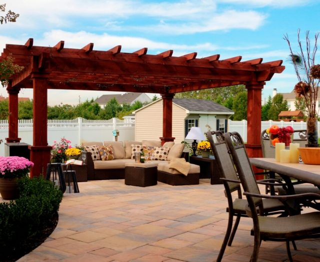 14' x 14' Artisan Hemlock Pergola in Mahogany Stain with Custom Superior Posts