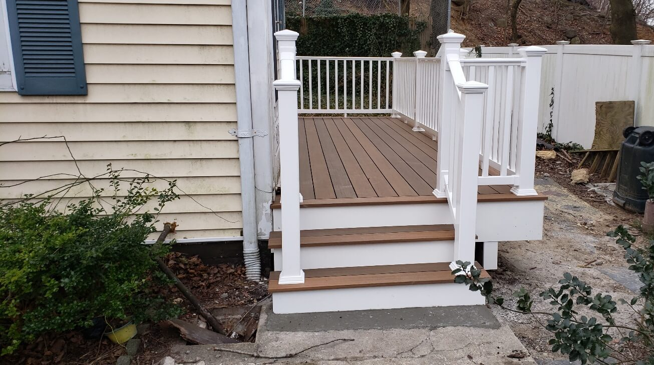 High Quality Composite Deck With Stairs And Railings