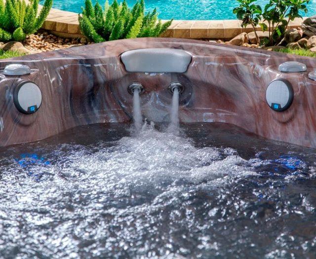 735L Special Hot Tub