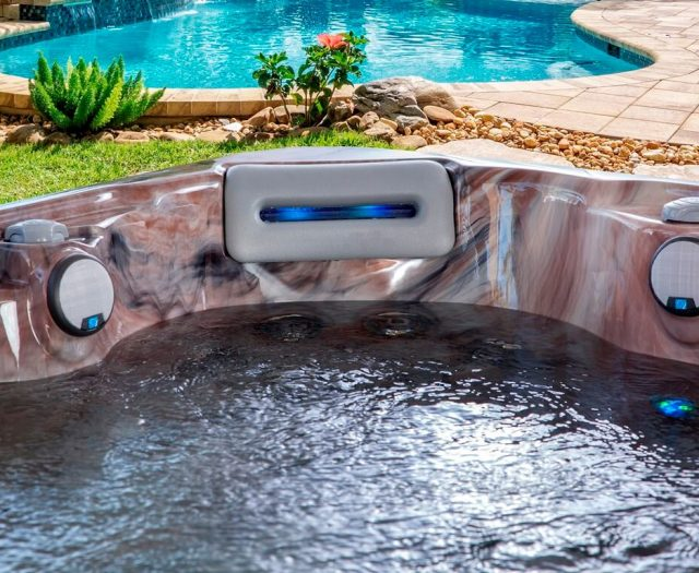 735B Special Hot Tub