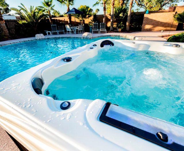 Grand Cayman Elite Hot Tub