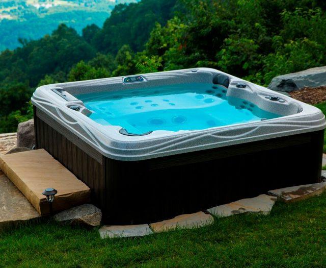 Antigua Hot Tub