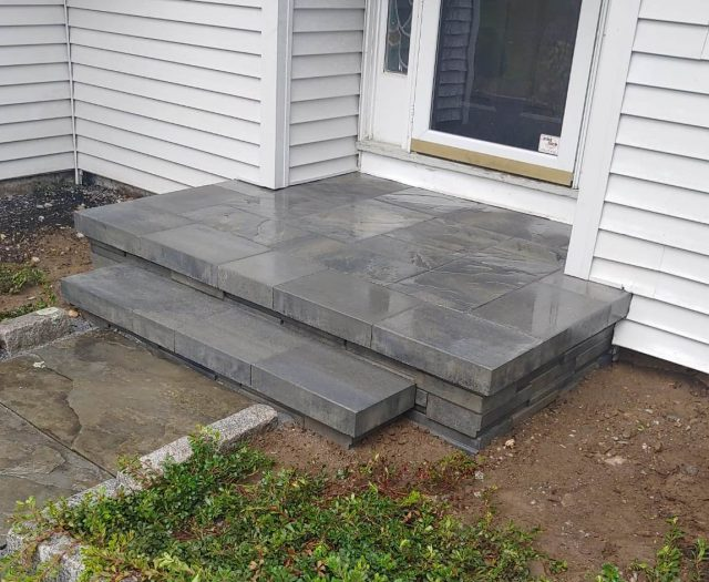 Stone Front Entry in Ash Charcoal Pavers