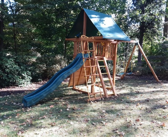 Dream Swing Set with green canopy