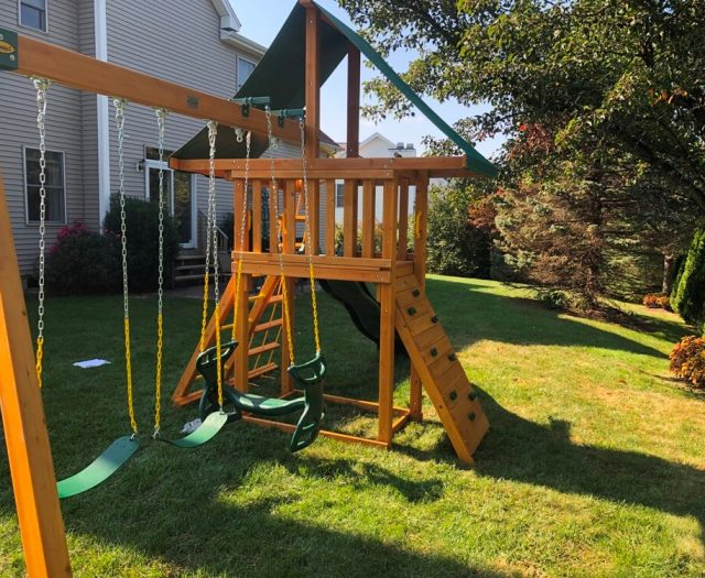 Supremescape swing set from eastern jungle gym