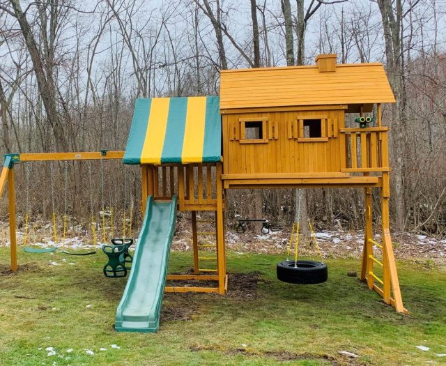 Fantasy Tree House Swing Set with Green Slide