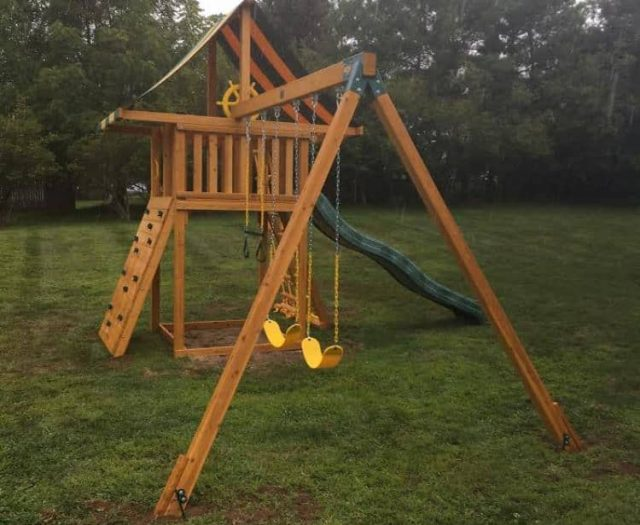 Dream Swing Set with Yellow Sling Swing