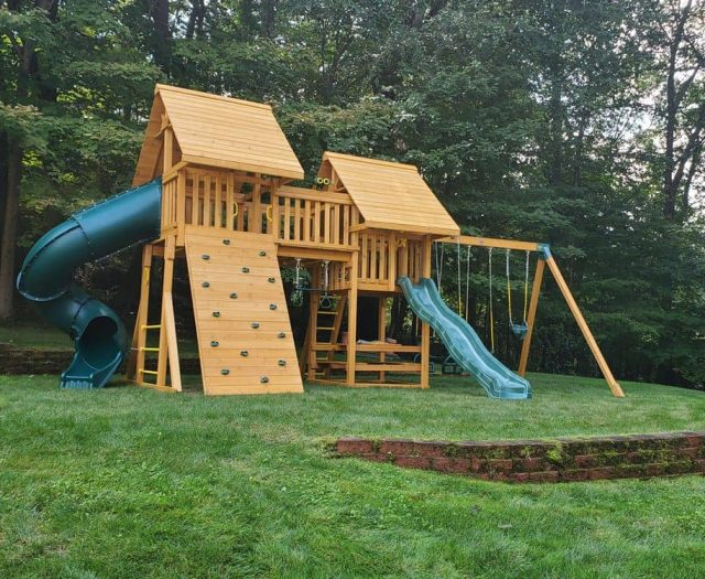 Fantasy with Add on Wooden Roof, PicnicFantasy with Add on Wooden Roof, Picnic Table TableFantasy with Add on Wooden Roof, Picnic Table