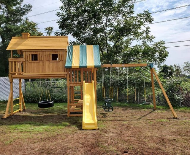 Fantasy Tree House with Add On Picnic Table