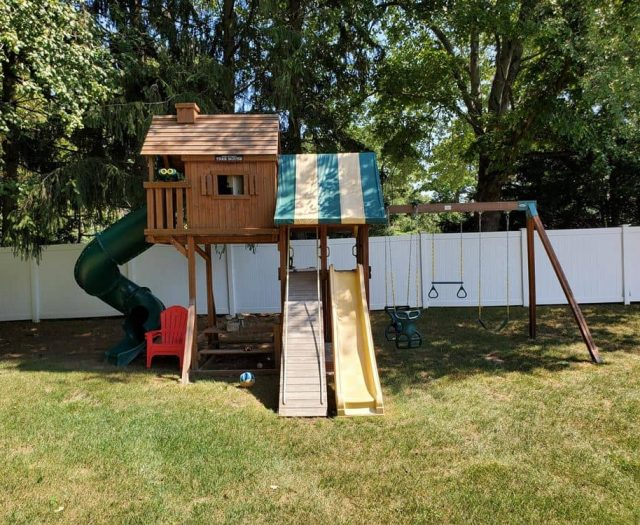 Sky Tree House with Add On Picnic Table, Gang Plank and Personalized Name Plate