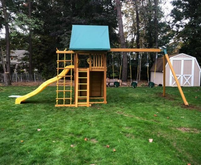 Dream Jungle Gym with Yellow Wave Slide, Green Tent and Full Bucket Swings