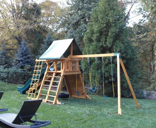 Extreme Swing Set with Jacob's Ladder, Tire Swing, and Sling Swing