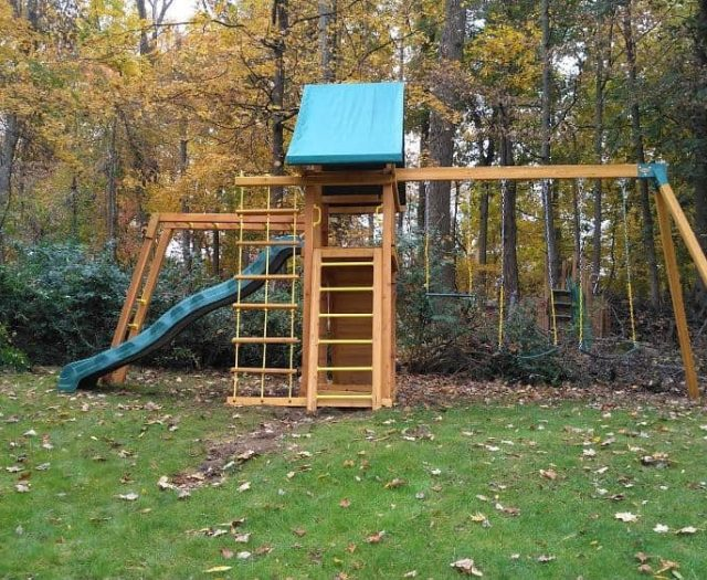 Dreamscape Jungle Gym with Trapeze Bar, Tent Top, and Monkey Bars