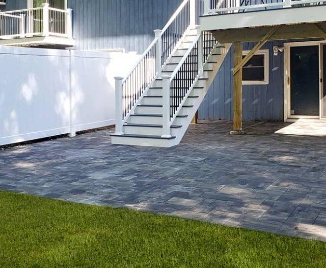 composite vinyl deck installation
