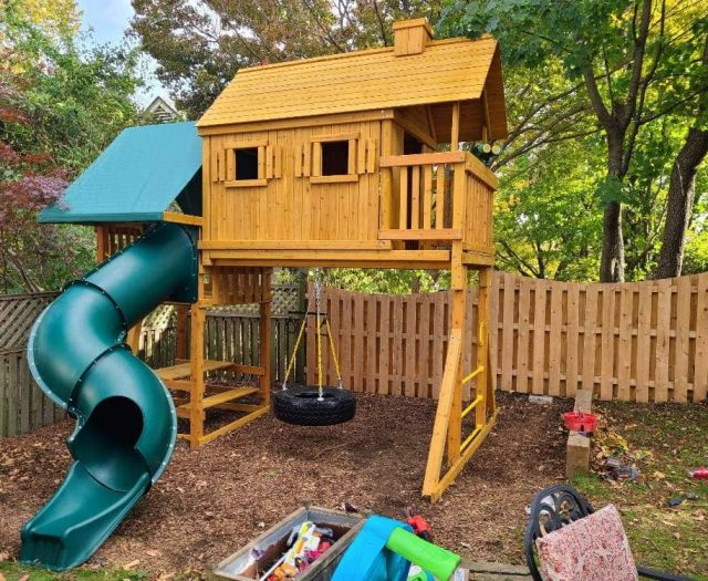 Sky Tree House Swing Set with Tire Swing, Spiral Slide, and Chimney