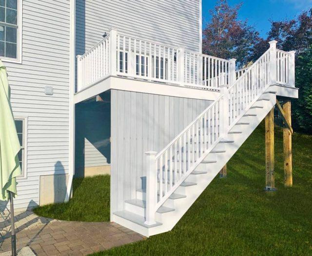 Composite Gray Staircase Deck