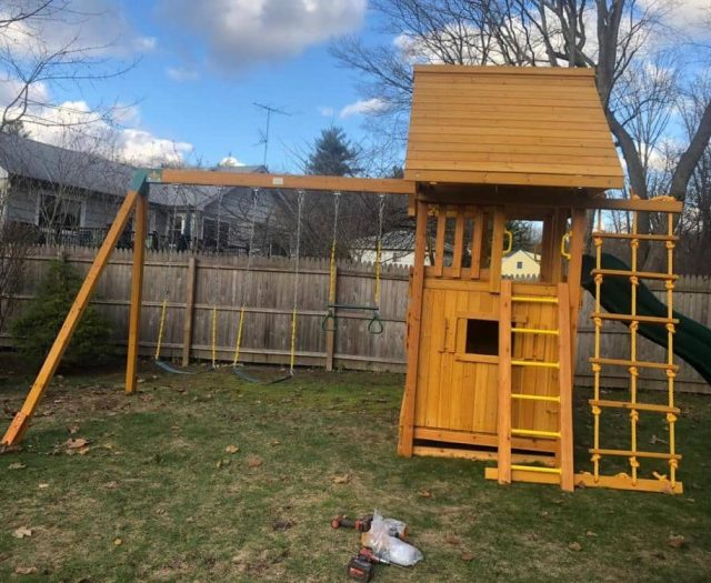 Dream Swing Set with Bottom Club House, Wood Roof, and Swings