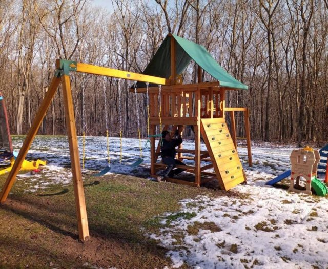 Dream Swing Set with Swings, Rock Wall and Trapeze Bar