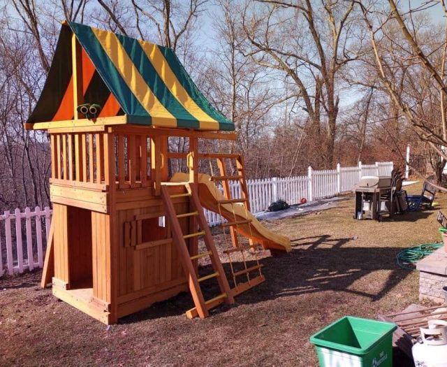 Dream Playground with Bottom Clubhouse, Ladder, and Jumbo Binoculars