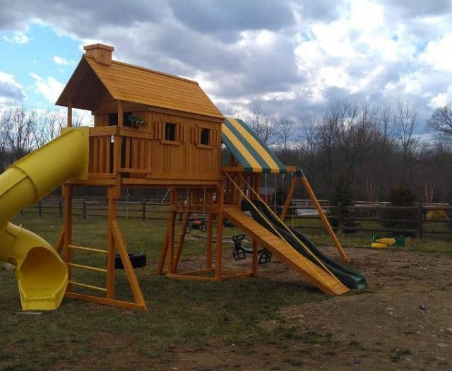 Fantasy Tree House Swing Set with Spiral Slide, Gang Plank and Tire Swing
