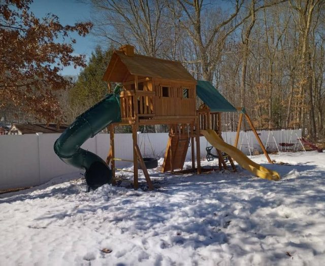 Fantasy Tree House with Spiral Slide, Tire Swing, and Winter Install